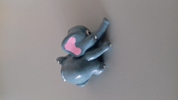 FIGURINE FERRERO ELEPHANT PETANQUE - Figurines