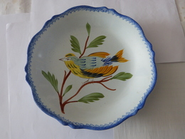 ASSIETTE  HENRIOT QUIMPER - Oiseau  MESANGE - Quimper/Henriot (FRA)