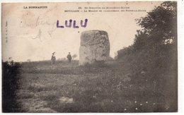 DEPT 50 : Précurseur édit. La C P A N° 33 : Bouillon Le Menhir De Vaumoisson Dit Pierre Au Diable - France