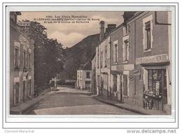 LES ALPES MANCELLES : SAINT LEONARD DES BOIS : Le Bas Du Bourg Et Vue De La Colline De Narbonne - Très Bon état - Francia