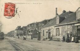 CPA 37 Indre Et Loire Rochecorbon Route De Tours Restaurant Café Tabac - Rochecorbon