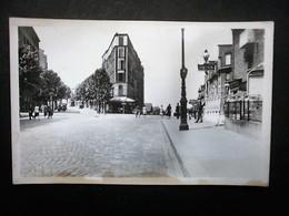 PARIS  METRO PRE SAINT GERVAIS - France