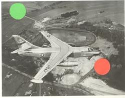 USAF  - (Photo N° 2 : +/- 20 X 24 Cm ) D'un Avion A IDENTIFIER De L'armée Américaine - 1950...60..(b258) - Aviation