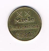 //  OUDE  JETON  MIELE TROCKENAUTOMAT  685808 - Firma's