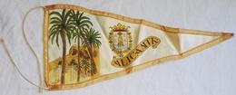 Antiguo Banderín, Old Pennant, Vieux Fanion - Alicante - Escudos En Tela