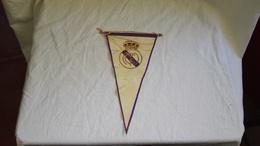Antiguo Banderín, Old Pennant, Vieux Fanion - Real Madrid - Uniformes Recordatorios & Misc