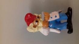 FIGURINE FERRERO NAIN COIFFEUR - Figurines