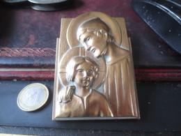 JOLI BRONZE -ART RELIGIEUX SAINT ET ENFANT - SIGNE S.J - A.C.M. - Bronzes