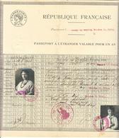 PASSEPORT A L'ETRANGER 1925 VALABLE UN AN  DE Mme DE FERRY MADELAINE NEE DE SALIS, ET SON FILS FERREOL MARQUIS DE FERRY - Documents Historiques