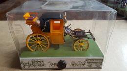 Brumm - 1:43 - Koetsen En Paarden - Historical Carriage,nr 4 Coupé Dormeuse 1830 (2 Keer Waarvan 1 Zonder Bodemticket), - Brumm
