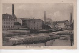 Cpa B90 SARREGUEMINES Faiencerie-usines-canal - Sarreguemines