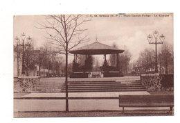 Orthez.  Place Gaston Poebus.(sic)Le Kiosque. - Orthez
