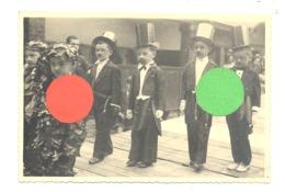 Photo ( Grandeur CP ) D'un Spectacle D'enfants, Certainement à BLATON Ou LESSINES , Déguisement,.. (b257) - Lessines