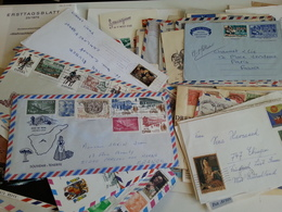 MONDE Une Archive De Plus De 250 Lettres - Sellos