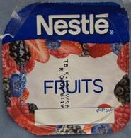 Egypt - Couvercle De Yoghurt Nestle Fruits (foil) (Egypte) (Egitto) (Ägypten) (Egipto) (Egypten) Africa - Coperchietti Di Panna Per Caffè