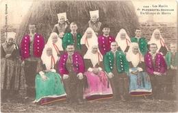Dépt 29 - PLOUGASTEL-DAOULAS - Les Mariés De Plougastel-Daoulas - Un Groupe De Mariés - Collection Villard N° 1332 - Plougastel-Daoulas