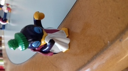 FIGURINE FERRERO PINGOUIN MOUCHOIR - Figurines