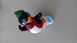 FIGURINE FERRERO PINGOUIN SNOWBOARD - Figurines