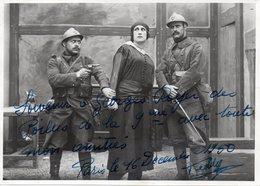 Photo Format 12,5/17,5,pièce De Théatre Poilus Dédicacées En 1950. - Krieg, Militär