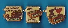 3 PIN'S //  ** GATEAUX SAVANE / 3 DIFFÉRENTS ** - Pin's