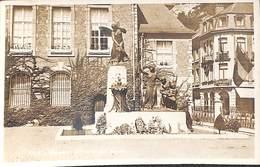 Dinant - Mémorial Aux Morts (Hôtel , Belga Phot, Real Photo) - Dinant