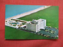 The Emerald Isle  -  Miami Beach  Florida  -ref    3549 - Miami Beach