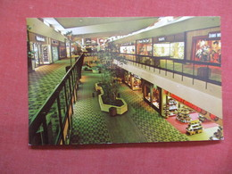 Macon Mall Court  Georgia >  -ref    3550 - United States