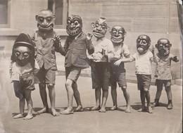 MASKS OF DEVIL  DANCERS CEYLON SOUTHERN INDIA  NEW SYDNEY AUSTRALIA MUSEUM  +-  30 * 22 CM Fonds Victor FORBIN 1864-1947 - Fotos