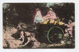 - CPA BRUXELLES (Belgique) - Laitières Flamandes 1913 (belle Animation Avec Attelage De Chiens) - - Ambachten