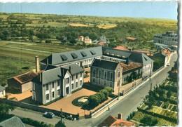 79 - Argenton Château : Les Ecoles - Au 1er Plan, L' Hôpital - Argenton Chateau