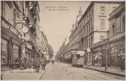 CPA AVIGNON Vaucluse  Rue De La République Animé Du Tram Et Nombreux Commerces. Edit: J. Couyet Tabacs Avignon - Avignon