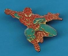1 PIN'S //   ** SPIDER-MAN / PETER BENJAMIN PARKER ** . H 2,5cm X 3,3 Cm - BD