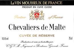Vin Mousseux - Chevaliers De Malte Bordeaux - Etiquettes
