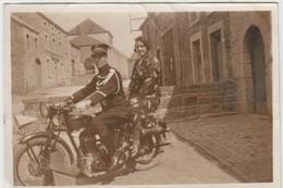 Photo Réelle - Militaire Sur Moto - Femme - Uniformes