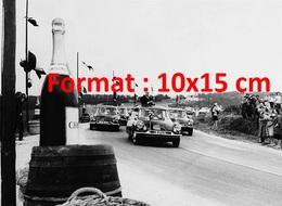 Reproduction D'une Photographie Ancienne Du Général De Gaulle Sur La Route De Champagne En 1963 - Reproductions