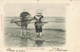 CALAIS  -  Le  Retour  De  La  Pêche  ( à  La  Crevette )   /  Couple  En  Costume  De  Bain  1900  /  Carte  Précurseur - Calais