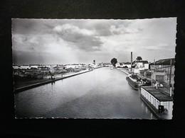 BOBIGNY  LE CANAL DE L'OURCQ - Bobigny