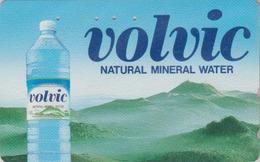 TC Japon / 110-011 - Boisson - EAU MINERALE VOLVIC FRANCE & VOLCAN AUVERGNE - Water DRINK & VULCAN Japan Phonecard 67 - Publicité