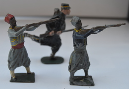 XR LOT DE TROIS  En L' état D'origine Voir Photos - Tin Soldiers
