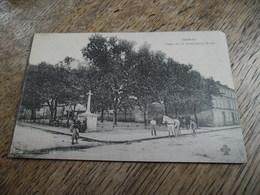 CPA De Cognac - Place De La Croix Saint Martin - Carte Animée - Enfants, Passants, Cheval Et Charrette - Cognac