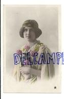 """Photographie. Jeune Fille Et Oeillets. 1912. Marque """"Etoile"""". Glacée. Emaillographie - Illustrateurs & Photographes"""