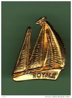 VOILIER *** ROYALE *** Dore OR FIN *** 1038 - Bateaux