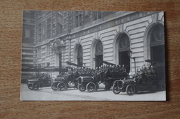 Carte Photo Sapeur Pompier De Paris Caserne Montmartre Avec Véhicules D'intervention Vers 1910 - Bomberos