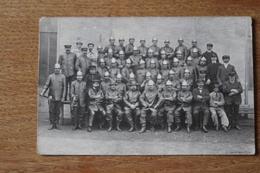 Carte Photo Sapeur Pompier  La Compagnie Tenue  Casque  Vers 1910 - Pompiers