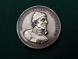 Médaille En Bronze Du Commandant Jacques Yves COUSTEAU Et De La Calypso   & - Autres