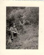Foto 2. WK - Soldat Im Wald Sitzend - Fotografie