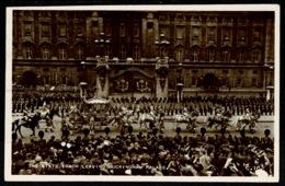 Ref 1308 - 1953 Real Photo Postcard - State Coach Leaving Buckingham Palace - Slogan Postmark - Royal Families