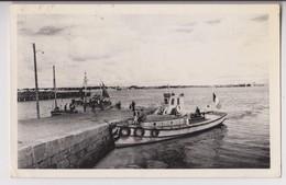 PORT LOUIS (56) : LE BAC POUR LARMOR - BATEAUX DE PECHE - CPSM FORMAT CPA - ECRITE EN 1952 - 2 SCANS - - Port Louis