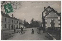CPA 04 DIGNE Les Gares Du Sud Et PLM - Digne