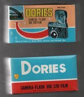 Jouet Vintage Appareil Photo Dories Camera Film 120,british Colony Hong Kong, Boite D'origine - Cameras